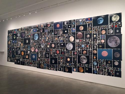 Fotos da exposição Silvery Light em NY (EUA). Credéditos: Penelope Umbrico